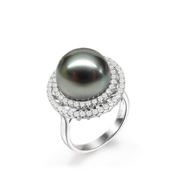 Natural Black Pearl in 18K Gold Ring