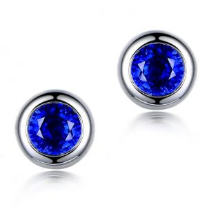 0.8ct Natural Blue Sapphire in 18K Gold Earring