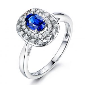 0.7ct Natural Blue Sapphire in 18K Gold Ring