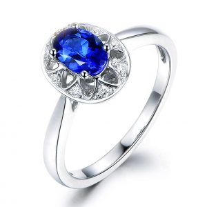 0.7ct Natural Blue Tanzanite in 18K Gold Ring