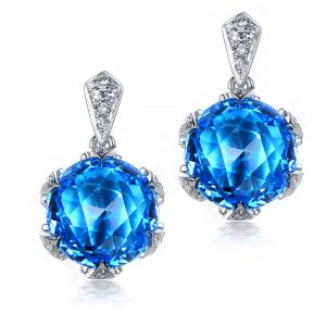 9.5ct Natural Blue Topaz in 18K Gold Earring