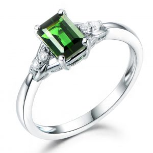 1.07ct Natural Green Tourmaline in 18K Gold Ring
