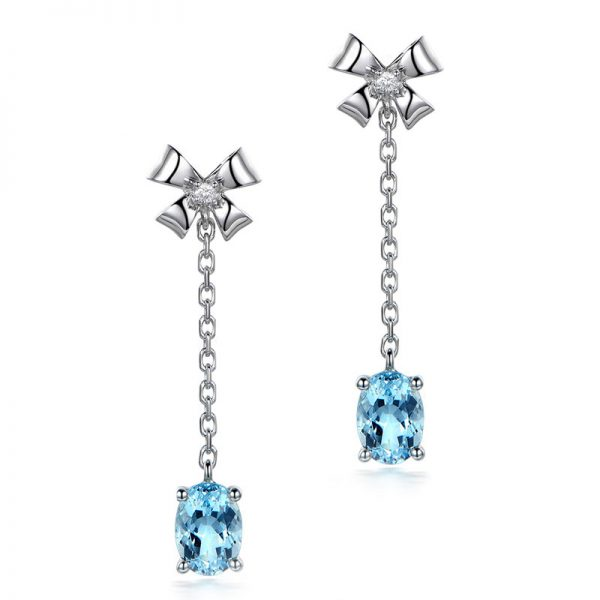 1.65ct Natural Blue Aquamarine in 18K Gold Earring