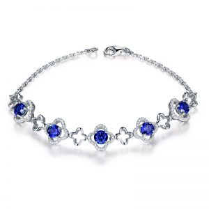 2.6ct Natural Blue Sapphire in 18K Gold Bracelet