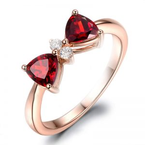 1.25ct Natural Red Garnet in 18K Gold Ring