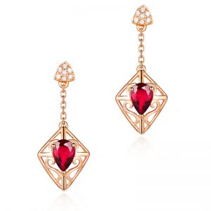 1.2ct Natural Red Tourmaline in 18K Gold Earring
