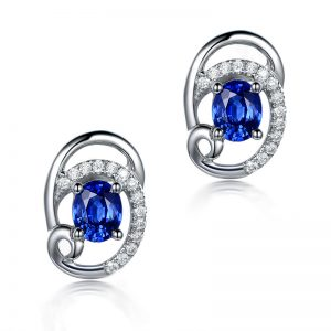0.9ct Natural Blue Sapphire in 18K Gold Earring