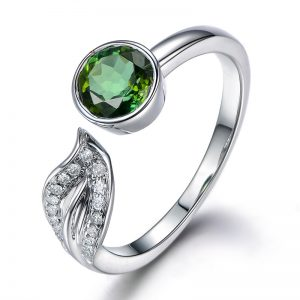 1.05ct Natural Green Tourmaline in 18K Gold Ring