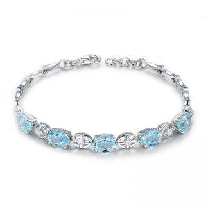 4.05ct Natural Blue Aquamarine in 18K Gold Bracelet