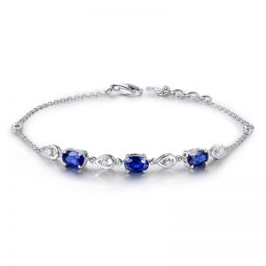 2.01ct Natural Blue Sapphire in 18K Gold Bracelet