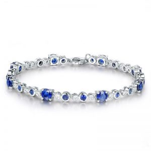4.85ct Natural Blue Sapphire in 18K Gold Bracelet