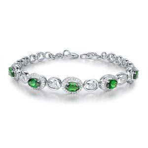 2.85ct Natural Green Tsavorite in 18K Gold Bracelet