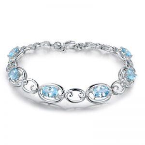 4.75ct Natural Blue Aquamarine in 18K Gold Bracelet