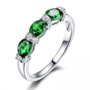 1.3ct Natural Green Tsavorite in 18K Gold Ring