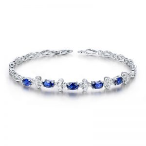 2ct Natural Blue Sapphire in 18K Gold Bracelet