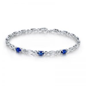 1.15ct Natural Blue Sapphire in 18K Gold Bracelet