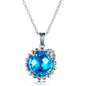 5.5ct Natural Blue Topaz in 18K Gold Pendant