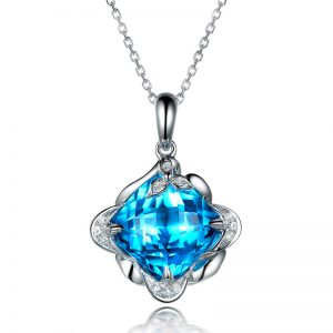 5.6ct Natural Blue Topaz in 18K Gold Pendant