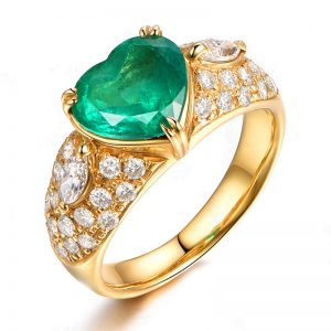 2.3ct Natural Green Emerald in 18K Gold Ring