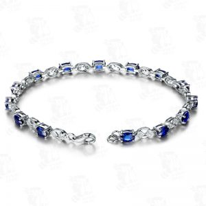 5.06ct Natural Blue Sapphire in 18K Gold Bracelet