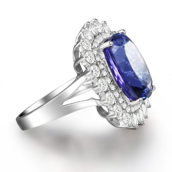 8.61ct Natural Blue Tanzanite in 18K Gold Ring
