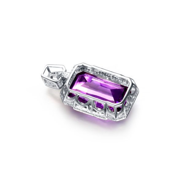 14.4ct Natural Purple Amethyst in 18K Gold Pendant
