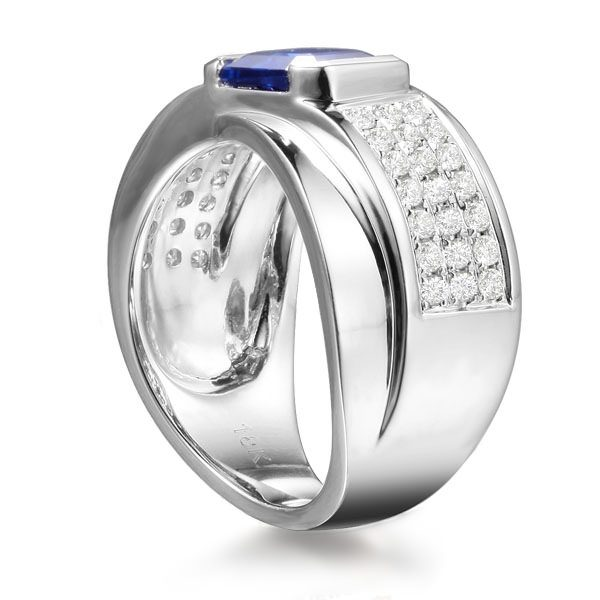2.27ct Natural Blue Sapphire in 18K Gold Ring