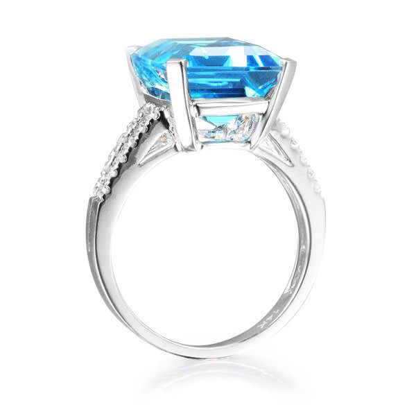 11.29ct Natural Blue Topaz in 18K Gold Ring