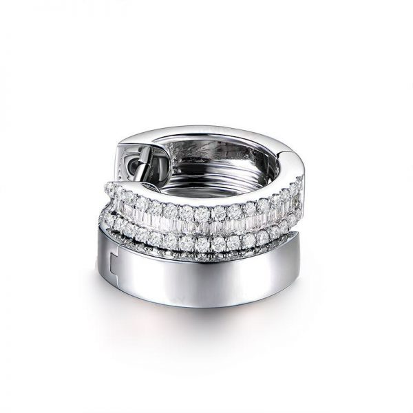 0.85ct Natural White Diamond in 18K Gold Earring