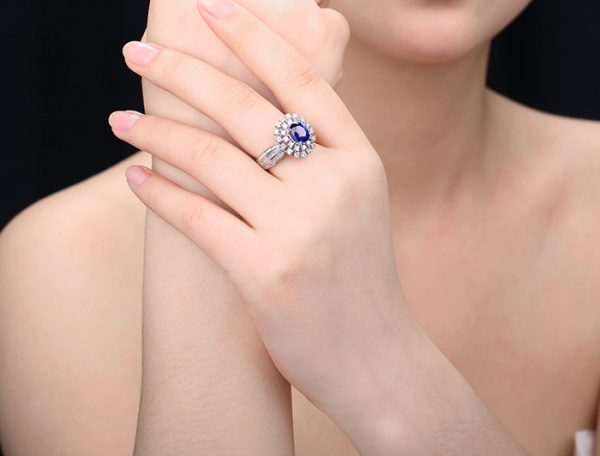 2.08ct Natural Blue Sapphire in 18K Gold Ring