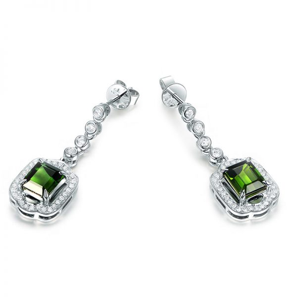7.56ct Natural Green Tourmaline in 18K Gold Earring