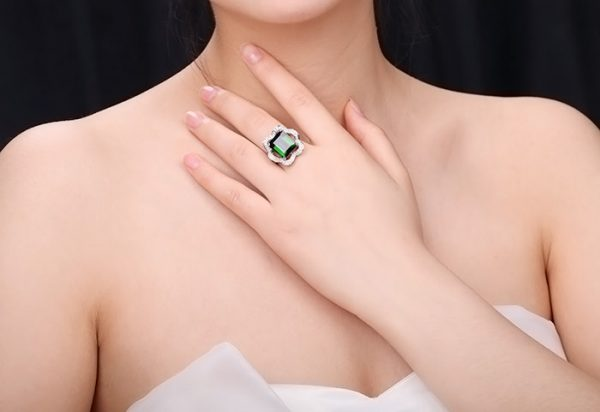 9.81ct Natural Green Tourmaline in 18K Gold Ring