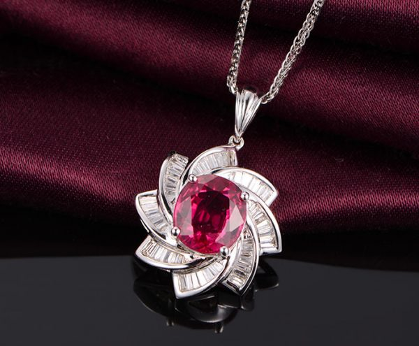2.06ct Natural Red Tourmaline in 18K Gold Pendant