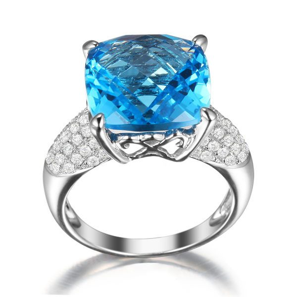 9.52ct Natural Blue Topaz in 18K Gold Ring
