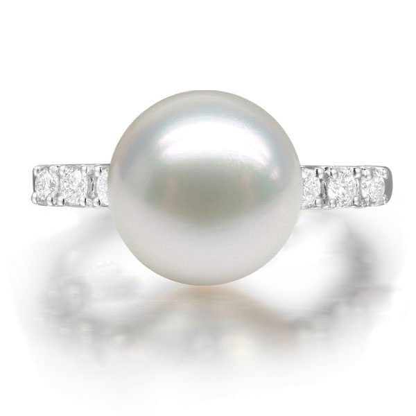 11.1mm Natural White Pearl in 18K Gold Ring