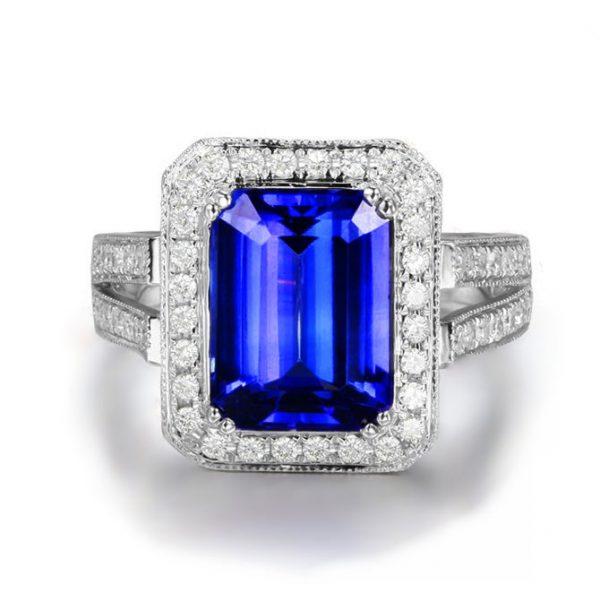 4.1ct Natural Blue Tanzanite in 18K Gold Ring