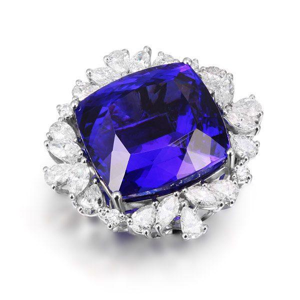 25.2ct Natural Blue Tanzanite in 18K Gold Ring