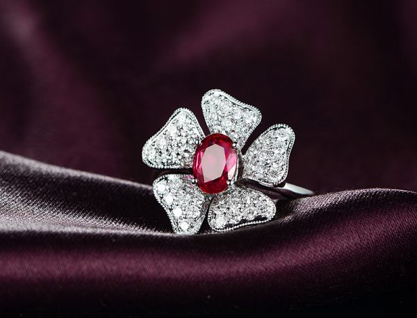 1.01ct Natural Red Ruby in 18K Gold Ring