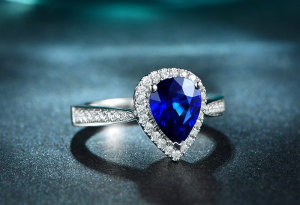 2.16ct Natural Blue Sapphire in 18K Gold Ring