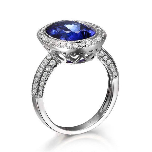 5.06ct Natural Blue Tanzanite in 18K Gold Ring