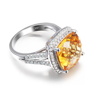 8.55ct Natural Yellow Citrine in 18K Gold Earring