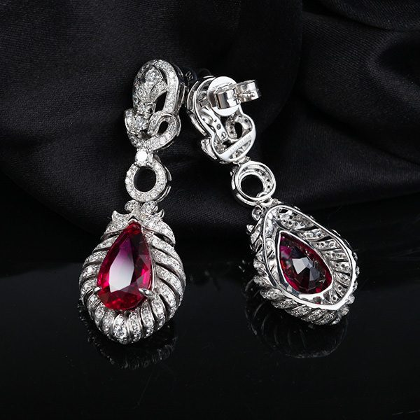 8.22ct Natural Red Tourmaline in 18K Gold Earring