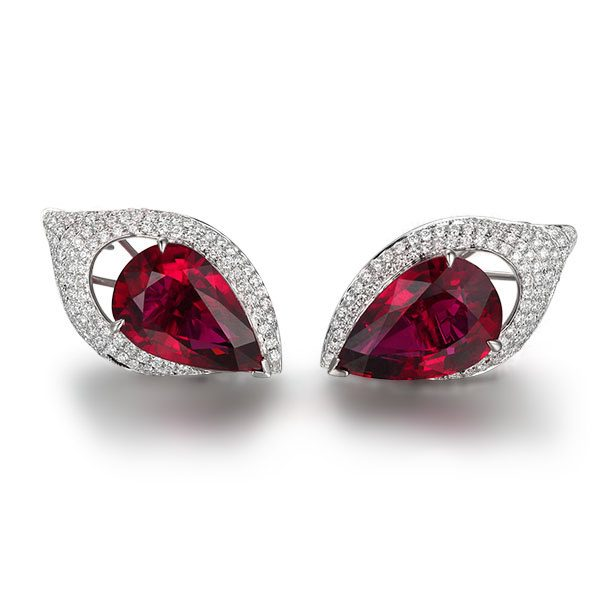 18.6ct Natural Red Tourmaline in 18K Gold Earring