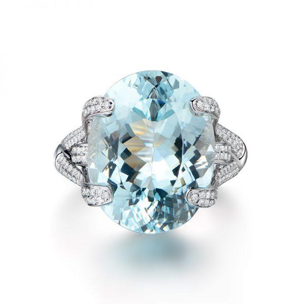 10.8ct Natural Blue Aquamarine in 18K Gold Ring