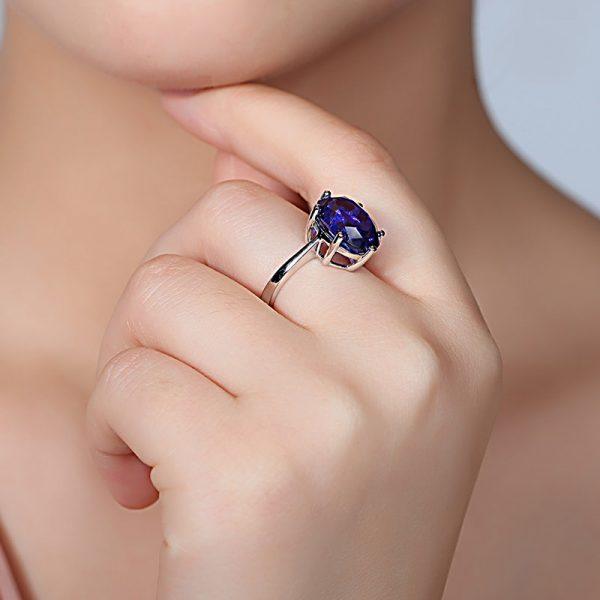 6.15ct Natural Blue Tanzanite in 18K Gold Ring