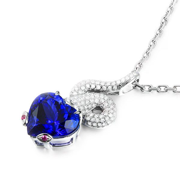 6.1ct Natural Blue Tanzanite in 18K Gold Pendant