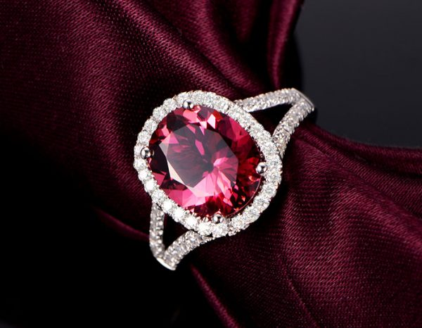 2.87ct Natural Red Tourmaline in 18K Gold Ring