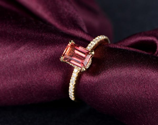 1.6ct Natural Red Tourmaline in 18K Gold Ring