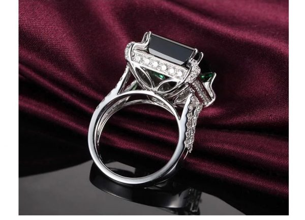 10.75ct Natural Green Tourmaline in 18K Gold Ring