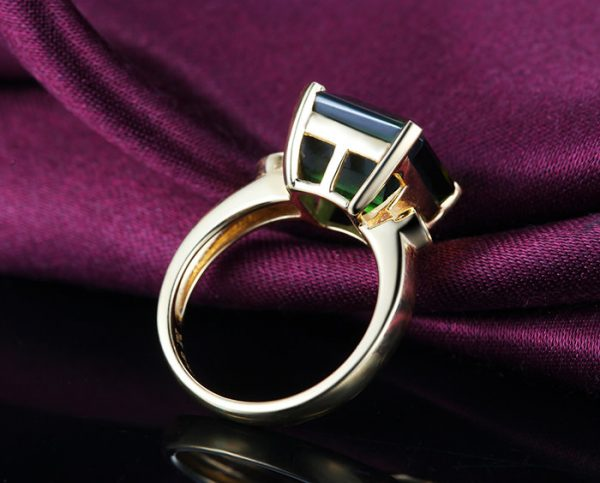 3.85ct Natural Green Tourmaline in 18K Gold Ring